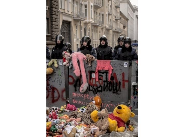 Performans Mariam Draginy //Ukraińskie kobiety przeciwko niewolniczej przyszłości//, 2013, dokumentacja fotograficzna, courtesy of Mystetskyi Arsenal