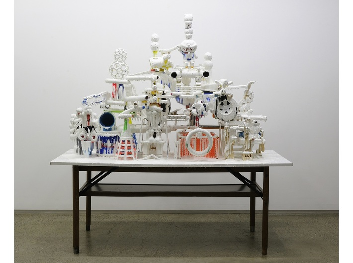 Teppei Kaneuji, //White Discharge (Built-up Objects #10)//, 2010, installation, 181 × 176 × 75 cm, © Teppei Kaneuji, courtesy of ShugoArts