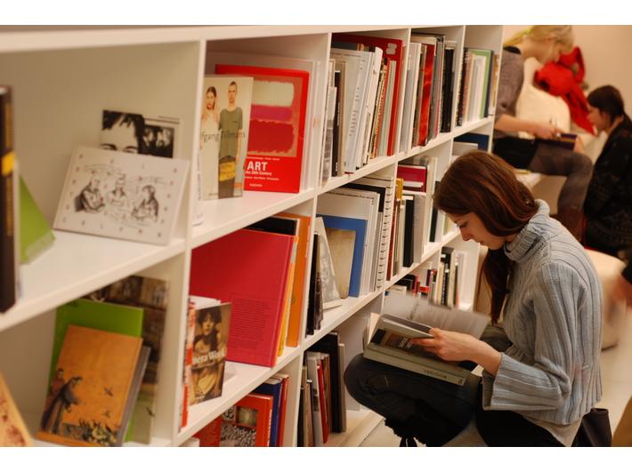 Biblioteka MOCAK-u, fot. Katarzyna Wincenciak - 1