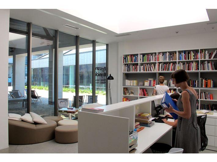 Biblioteka MOCAK-u, fot. Rafał Sosin