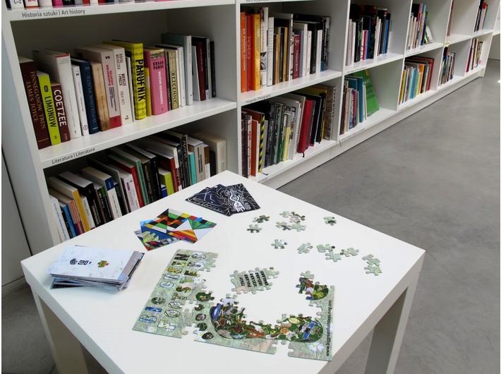 Gry edukacyjne w Bibliotece MOCAK-u