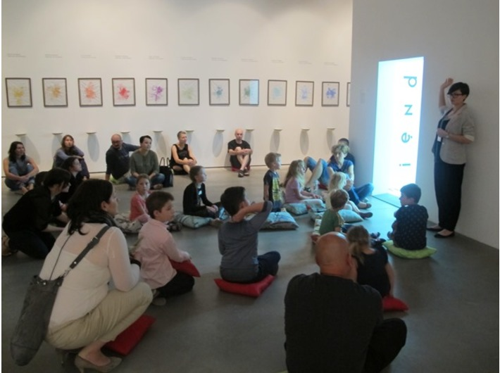 Warsztaty //Czym jest instalacja?// z cyklu //Twórcza Kolekcja//, Dział Edukacji MOCAK-u, 26.7.2015, wystawa Kolekcji MOCAK-u