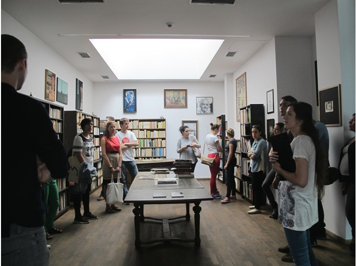 //POLIN Meeting Point – Summer Education School// w MOCAK-u, 23.8.2015, Biblioteka Mieczysła Porębskiego