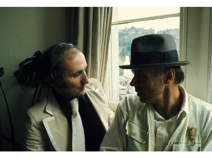 Joseph Beuys visits Richard Demarco in his flat on 29 Frederick Street in Edinburgh, 1974, courtesy of the Demarco European Art Foundation