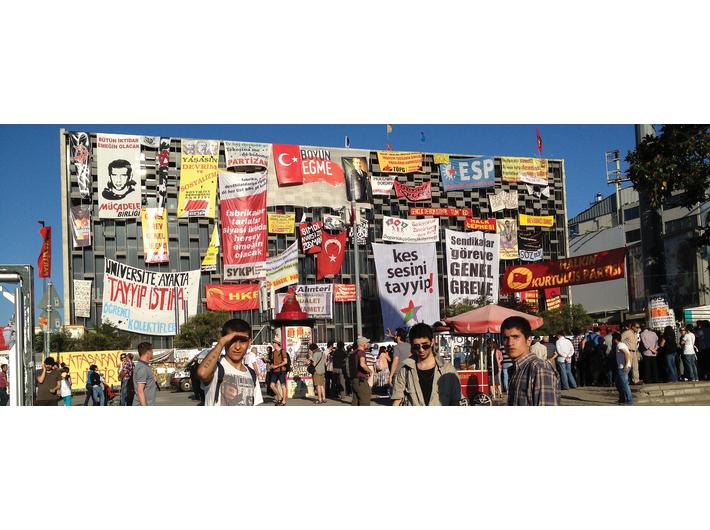Halil Altindere, //Plac Taksim, czerwiec 2013//, 2014