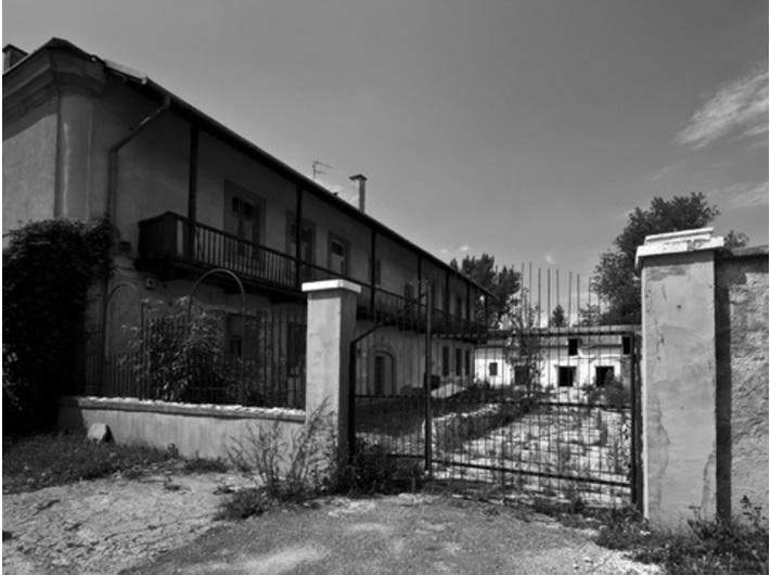 Dawna fabryka emalii Rekord (w czasie wojny fabryka Schindlera) Zabytkowy zajazd Pod św. Benedyktem