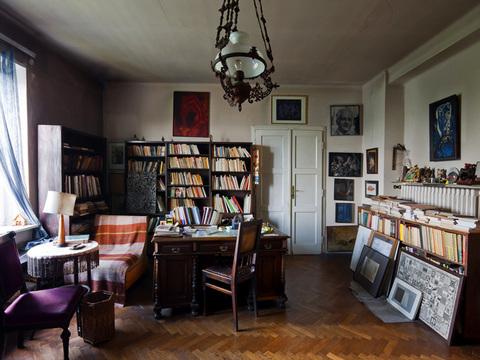 Biblioteka Mieczysława Porębskiego w jego krakowskim mieszkaniu