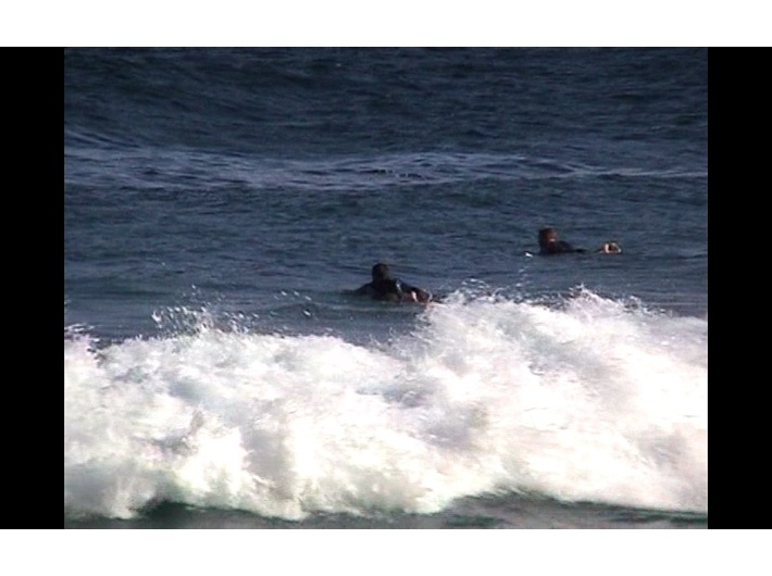 Beat Streuli, //Tamarama Surfers 01-24-01//, 2007, video, 60 min, MOCAK Collection