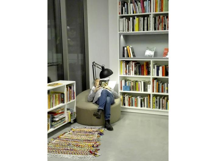 Biblioteka MOCAK-u