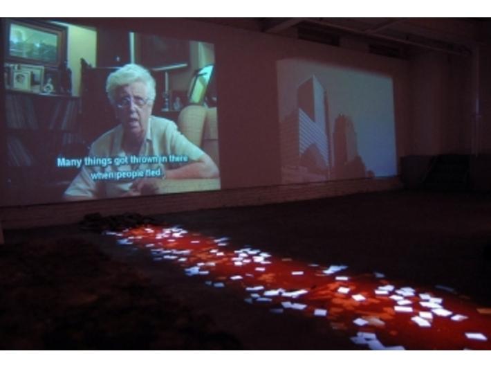 Anita Glesta, //Guernika//, wielokanałowa instalacja video, 2007