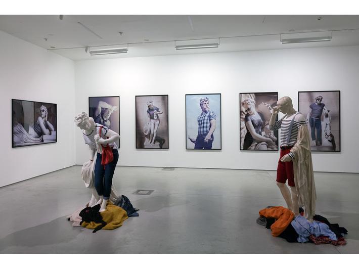 Widoczne prace Léo Caillarda, wystawa //Sztuka w sztuce//, fot. Rafał Sosin