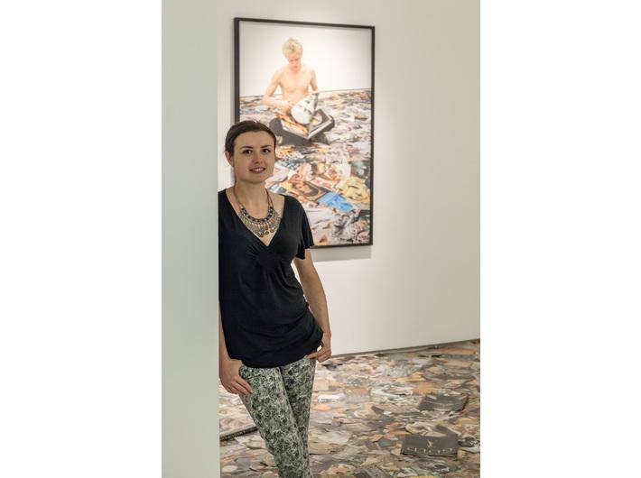 Anna Pyzik przy pracy pracy Marcella Malobertiego //Vir Temporis Acti//, fot. R. Sosin
