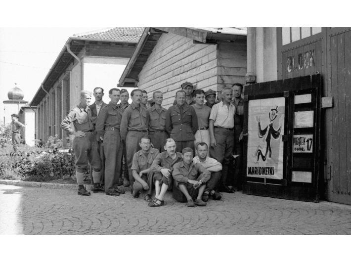 Zespół Teatru Marionetek, Oflag VII A Murnau, courtesy Muzeum Teatralne w Warszawie