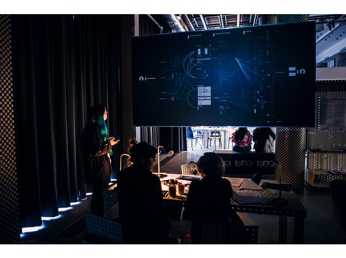 Katarzyna Szymielewicz, Vladan Joler, Paweł Janicki, //Facebook Algorithmic Factory//, 2017, instalacja, courtesy WRO, © K. Szymielewicz, V. Joler, P. Janicki
