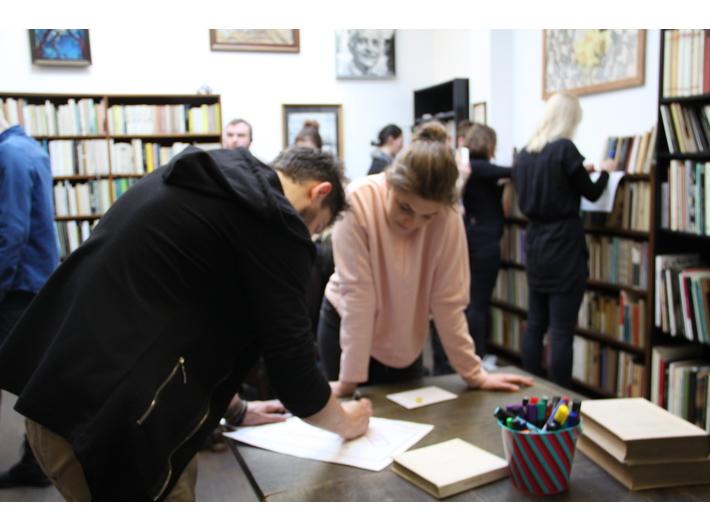 Zwiedzanie Biblioteki Mieczysława Porębskiego w formie gry