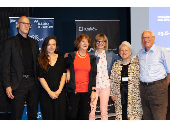 Na zdjęciu od lewej: Maciej Cholewa, Diana Lelonek, Maria Anna Potocka, Delfina Jałowik, Arta Valstar-Verhoff, Egon Bruhin, fot. R. Sosin
