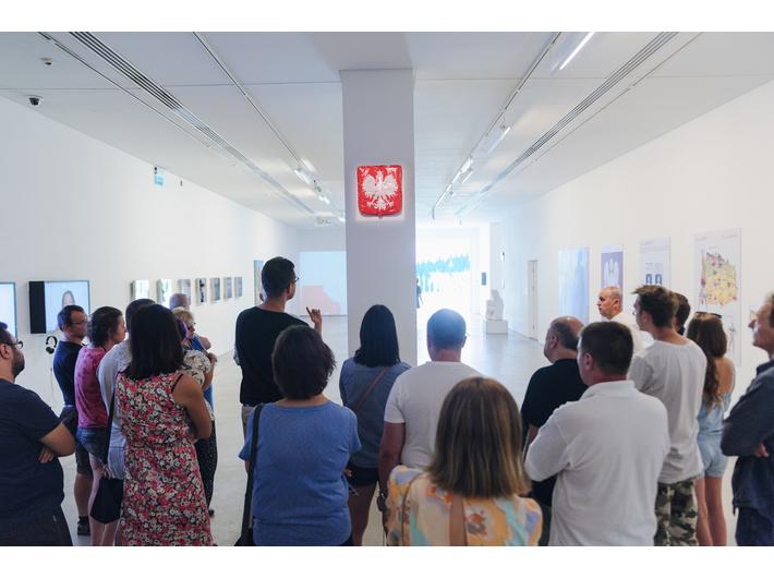 Oprowadzanie po wystawie //Ojczyzna w sztuce//, 8.8.2018, fot. L. Radyk