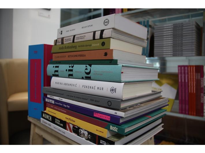 fot. MOCAK Bookstore