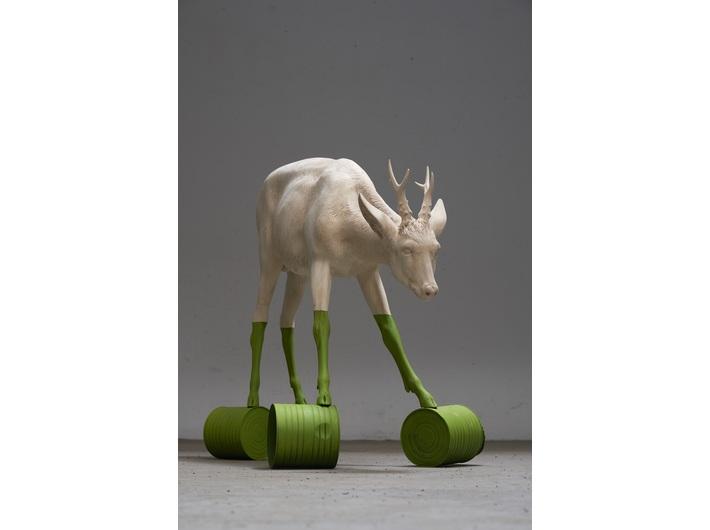 Willy Verginer, //Równowaga ekologiczna//¸ 2019, rzeźba, 90 × 125 × 60 cm, courtesy W. Verginer