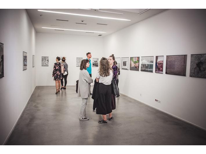 Widok wystawy //LEBENSMITTEL// Michaela Schmidta, fot. A. Stankiewicz