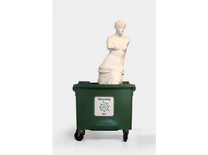 Bjørn Nørgaard, //Recycling Art//, 2016, instalacja, 215 × 67 × 72 cm, Kolekcja MOCAK-u