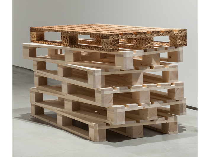 Farid Rasulov, //Palette//, 2015, sculpture, 12 × 120 × 80 cm, MOCAK Collection
