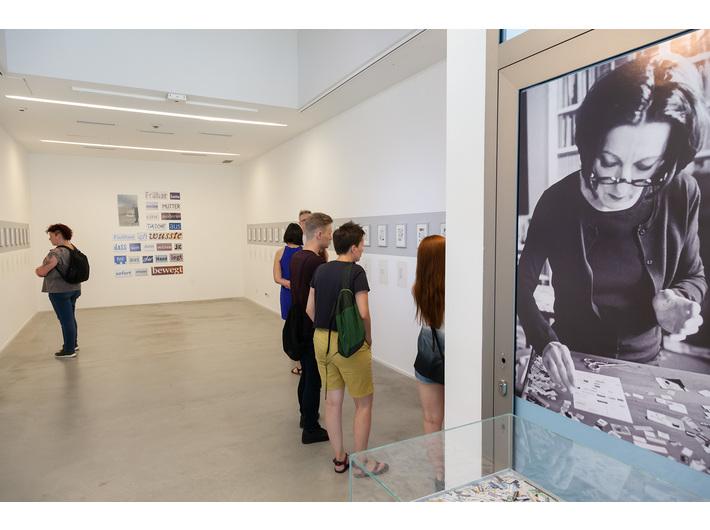 Widok wystawy Herty Müller //Tam gdzie nie można mówić. Słowo jako obraz, obraz jako słowo//, fot. R. Sosin