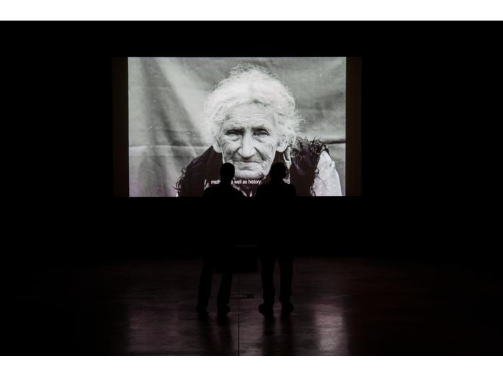 Widok wystawy Doroty Nieznalskiej //Przemoc i pamięć//, fot. R. Sosin