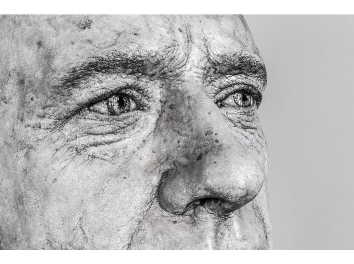 Guido Casaretto, //Czy niesympatyczni ludzie wyglądają podobnie? IV//, 2019, grafit, węgiel / żywica, 193 × 230 × 150 cm, courtesy Adamovskiy Foundation, fot. K. Kaygusuz