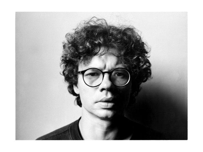 Mikołaj Smoczyński, //Autoportret//, 1990, fotografia, 16,5 × 21,9 cm, Kolekcja MOCAK-u