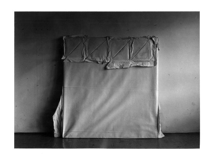 Mikołaj Smoczyński, z serii //Obrazy//, początek lat 80., fotografia,19,6 × 25,9 cm, Kolekcja MOCAK-u