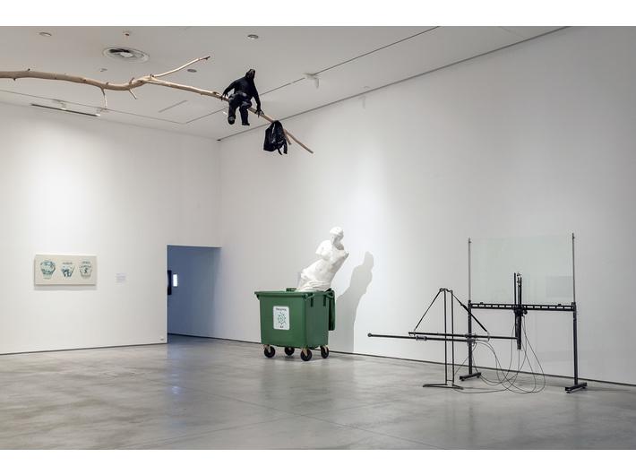 Wystawy //Ruch jako materia sztuki// oraz //Design symboliczny//, fot. R. Sosin