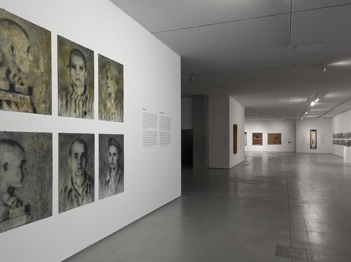 //World War II – Drama, Symbol, Trauma// exhibition, Andrzej Żygadło, from the //Auschwitz Series//, 2010, oil / HDF board, courtesy Art Agenda Nova, Kraków, © A. Żygadło. Photo: R. Sosin