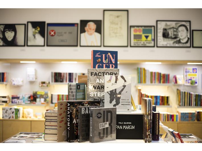 MOCAK Bookstore, fot. Filip Gąsiorowski