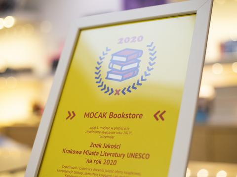 1. miejsce dla MOCAK Bookstore w plebiscycie //Wybieramy księgarnię roku 2019//, fot. Filip Gąsiorowski
