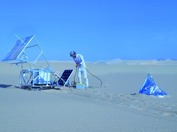 //Solar Sinter//, 2011, design by Markus Kayser; Solar Sinter, Sahara Desert, Siwa, Egypt, photo: Amos Field Reid