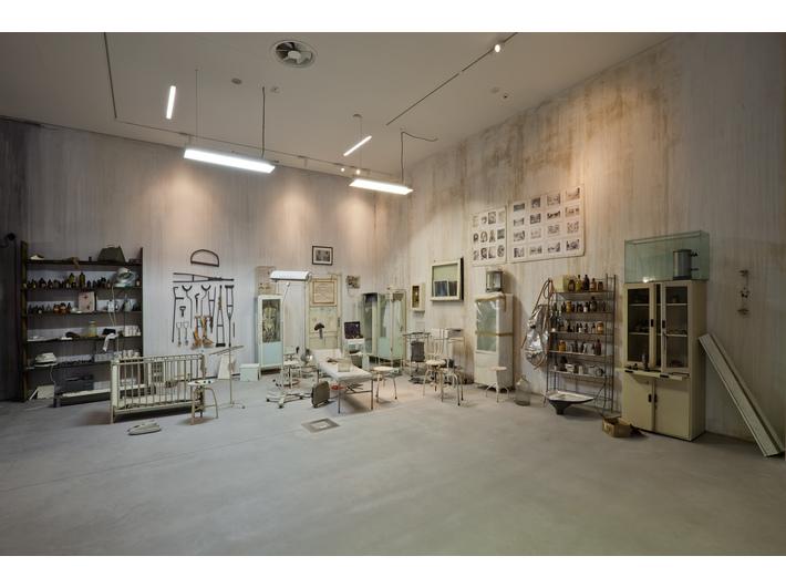 Robert Kuśmirowski, untitled, 2009, installation, MOCAK Collection
