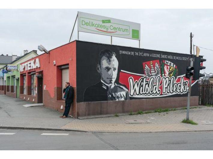 Wojciech Wilczyk, //Łagiewniki, ul. Wrocławska – 15 April 2017//, from the series //Polish-Polish Dictionary//, 2016–2019, photographs, 70 × 100 cm, courtesy W. Wilczyk