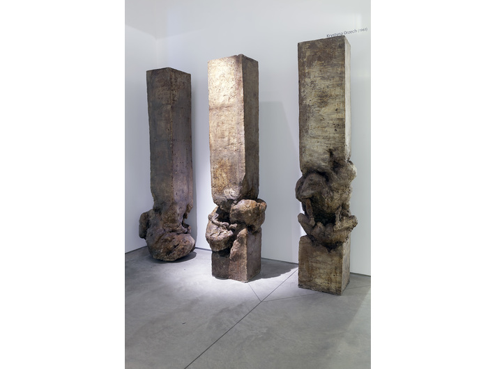 Krystyna Orzech, //Duel I//, 1987, sculpture (polyester resin), 230 × 48 × 48 cm, courtesy K. Orzech, photo: R. Sosin