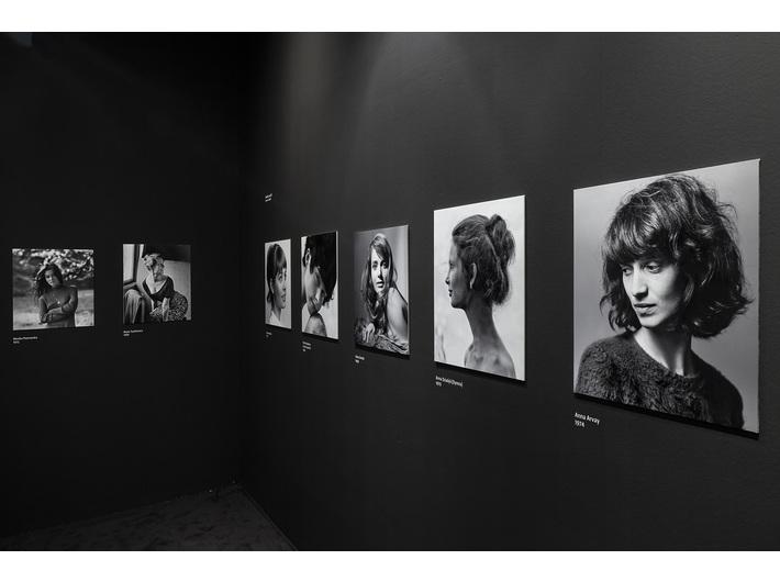 Fotografie Wojciecha Plewińskiego na wystawie Mariana Eilego //Artysta i redaktor//, fot. R. Sosin