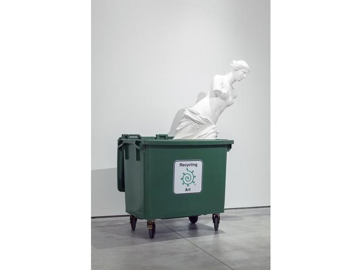 Bjørn Nørgaard, //Recycling Art//, 2016, instalacja, 220 × 160 × 80 cm, Kolekcja MOCAK-u