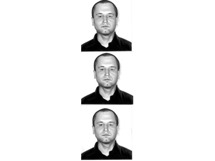 Rafał Bujnowski, //Autoportret//, 2004, fotografie, 5 × 5 cm (×3), Kolekcja MOCAK-u