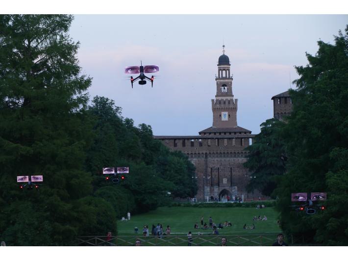 The performance of //Loro (Them)//, Parco Sempione, Milan, 6–8 June 2019, photo: K. Wodiczko