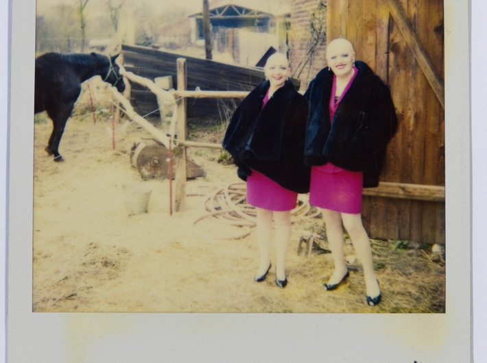 EVA & ADELE, CUM POLAROID 127, Brandenburg 1993, VG Bild-Kunst Bonn 2012