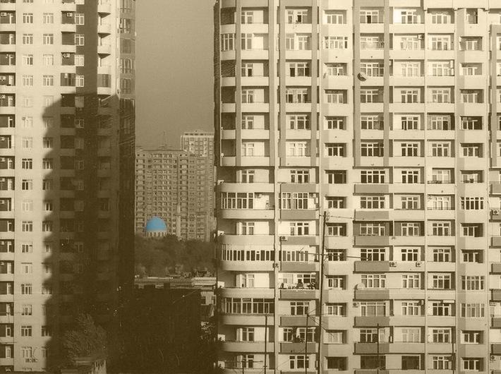 Sabina Shikhlinskaya, //Babel//, 2013, instalacja wideo, dzięki uprzejmości artystki