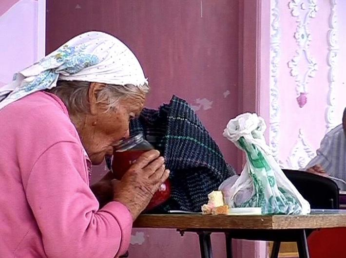 Sergey Bratkow, //Słoik zupy//, 2004, wideo, dzięki uprzejmości Regina Gallery, Moskwa